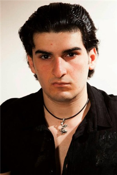 Shalom Kolontarov Headshot